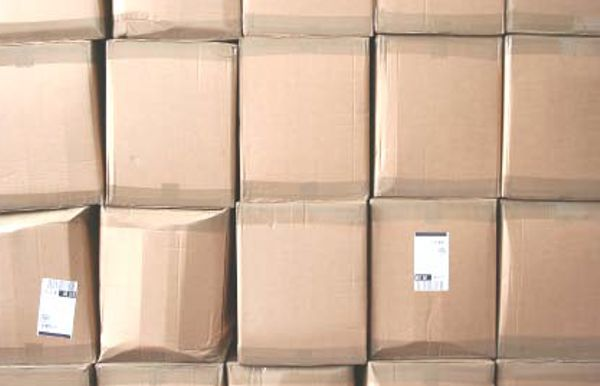 Corrugated cartons damaged due to stacking load